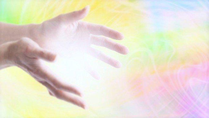 reiki-color-hands